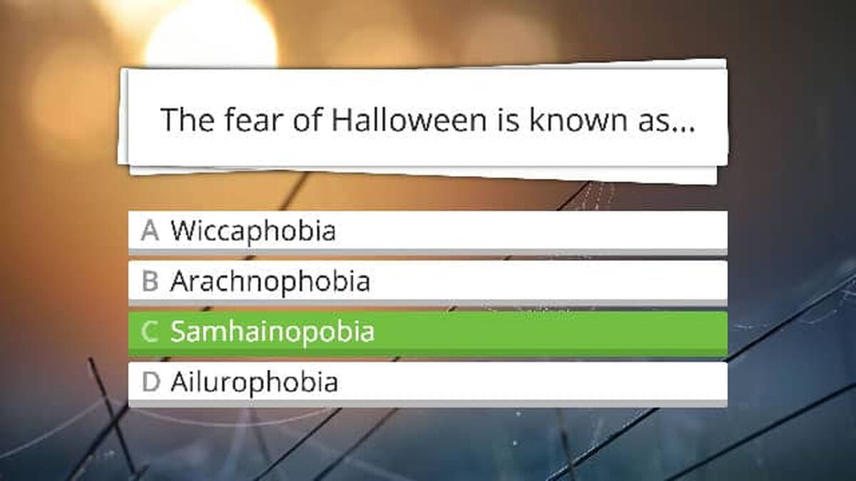 Halloween Trivia Game image number null